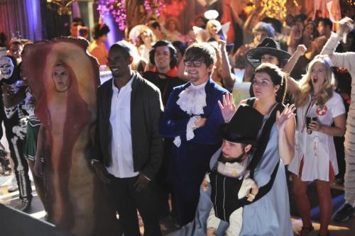 halloween-sorozat-happy-endings.jpg