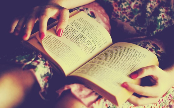 Top-Five-Bad-Reading-Habits-You-Should-Avoid-At-All-Costs.jpg