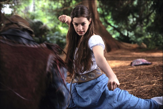 still-of-anne-hathaway-in-ella-enchanted-(2004)-large-picture.jpg