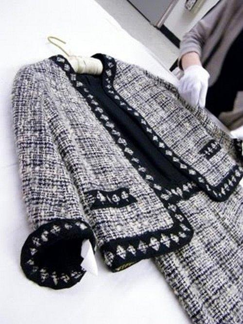 chanel-tweed-suit.jpg