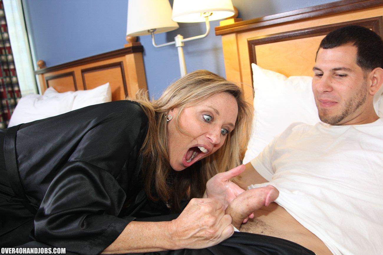 pisayut-erotika