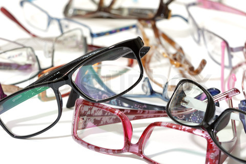 3093425-181184-a-lot-of-glasses.jpg