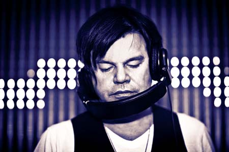 Paul+Oakenfold+feat+Infected+Mushroom+Retouched_sutra14064.jpeg