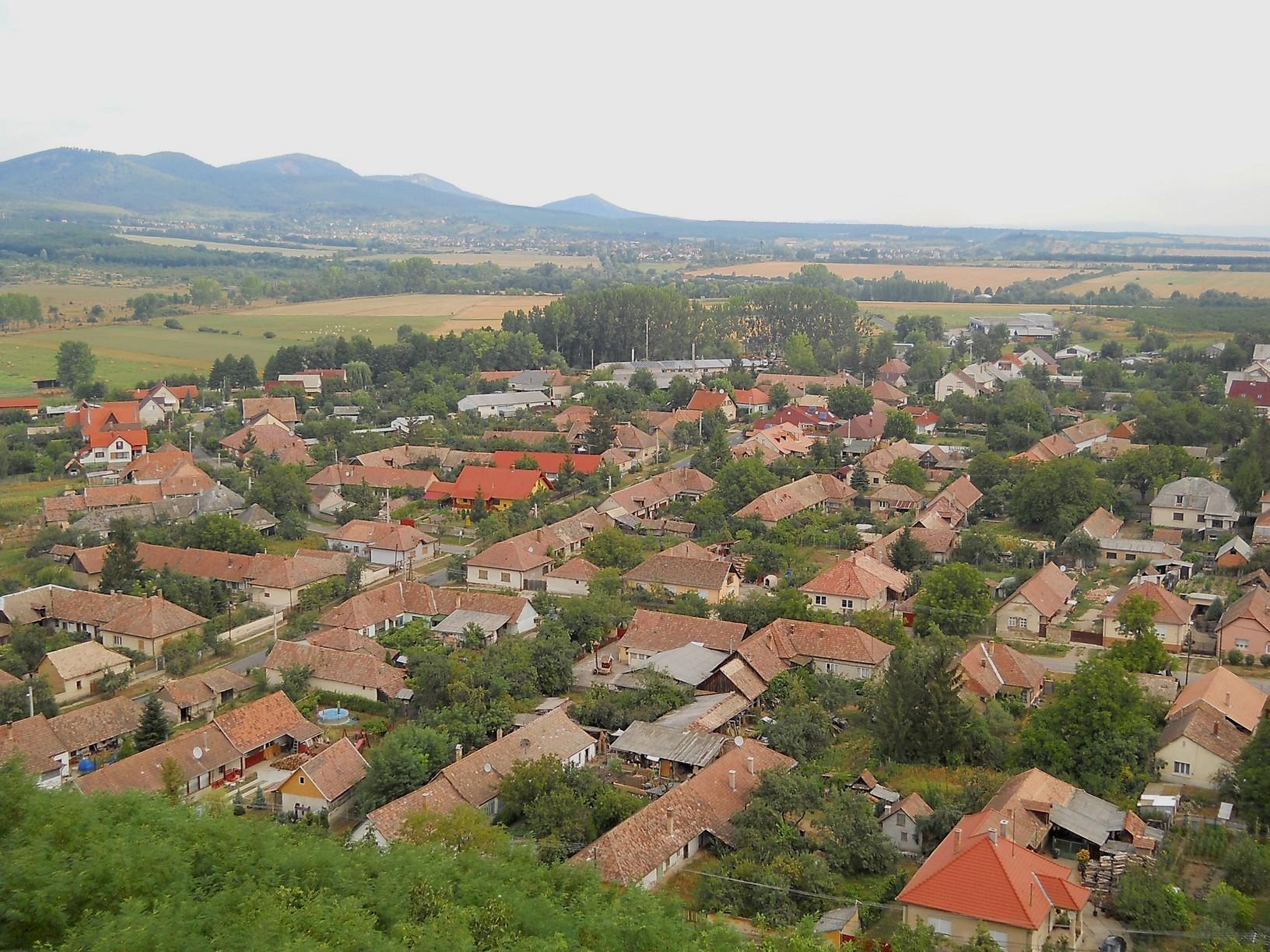 Kilátás Nógrádra a várból