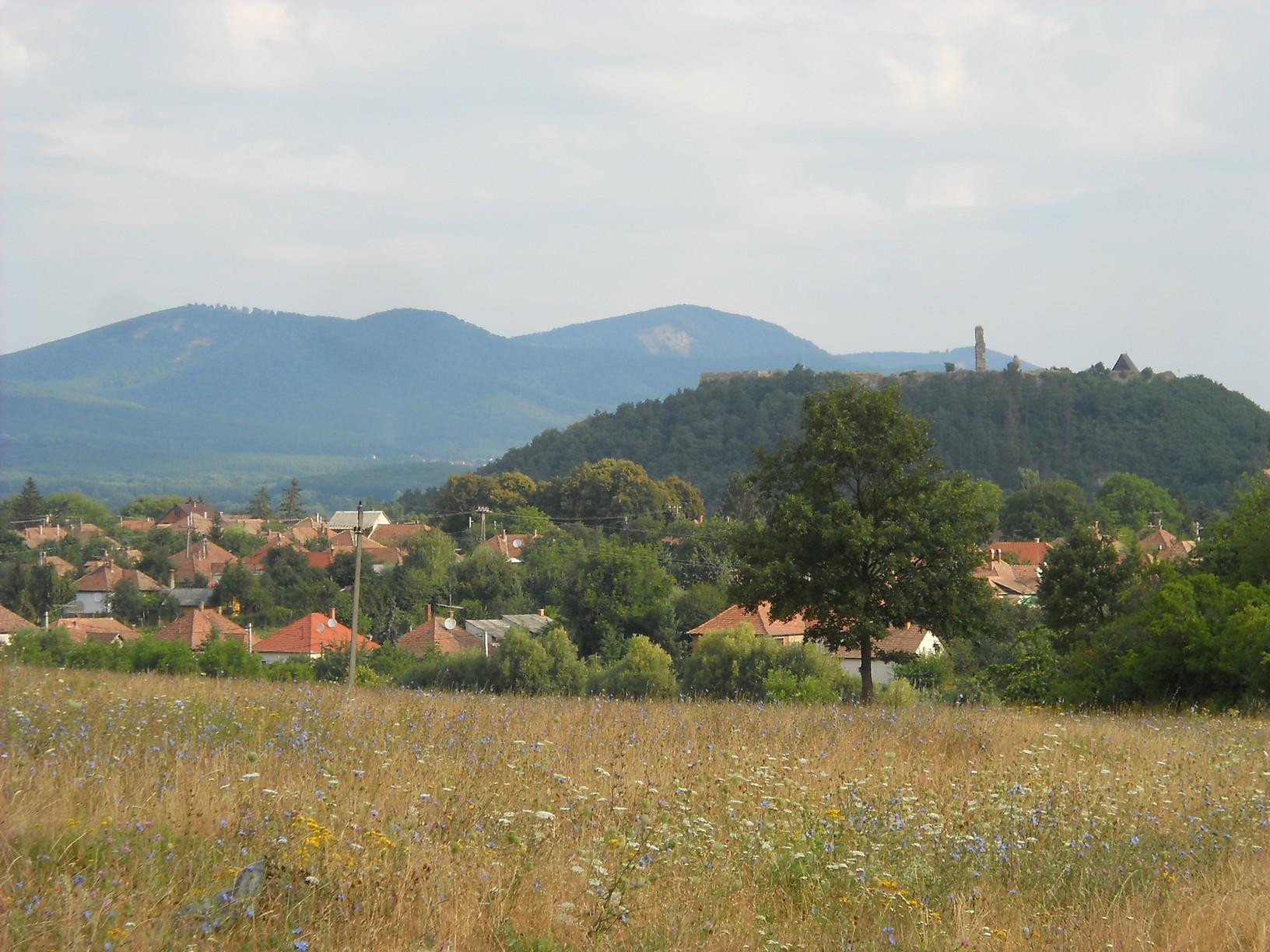 Utolsó pillantás a határból Nógrádra és a várhegyre