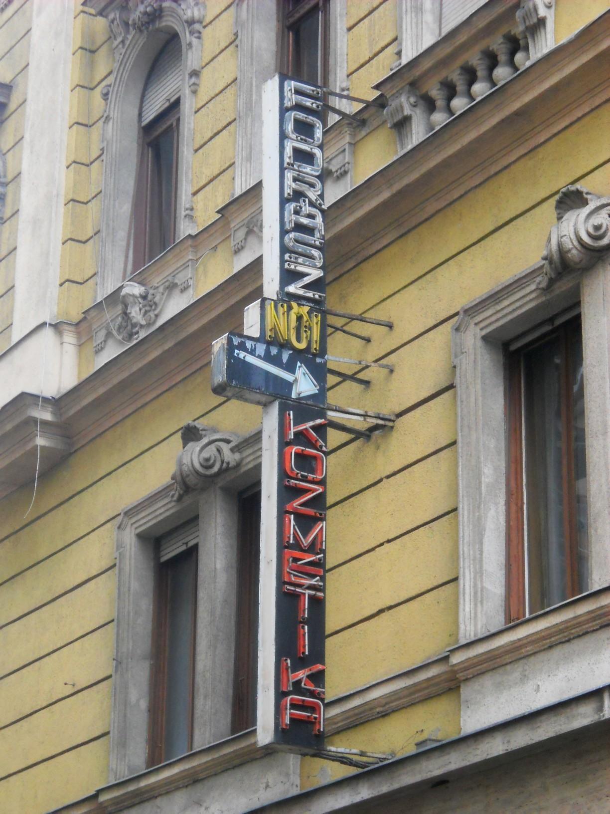 VII., Rákóczi út–Klauzál utca sarok