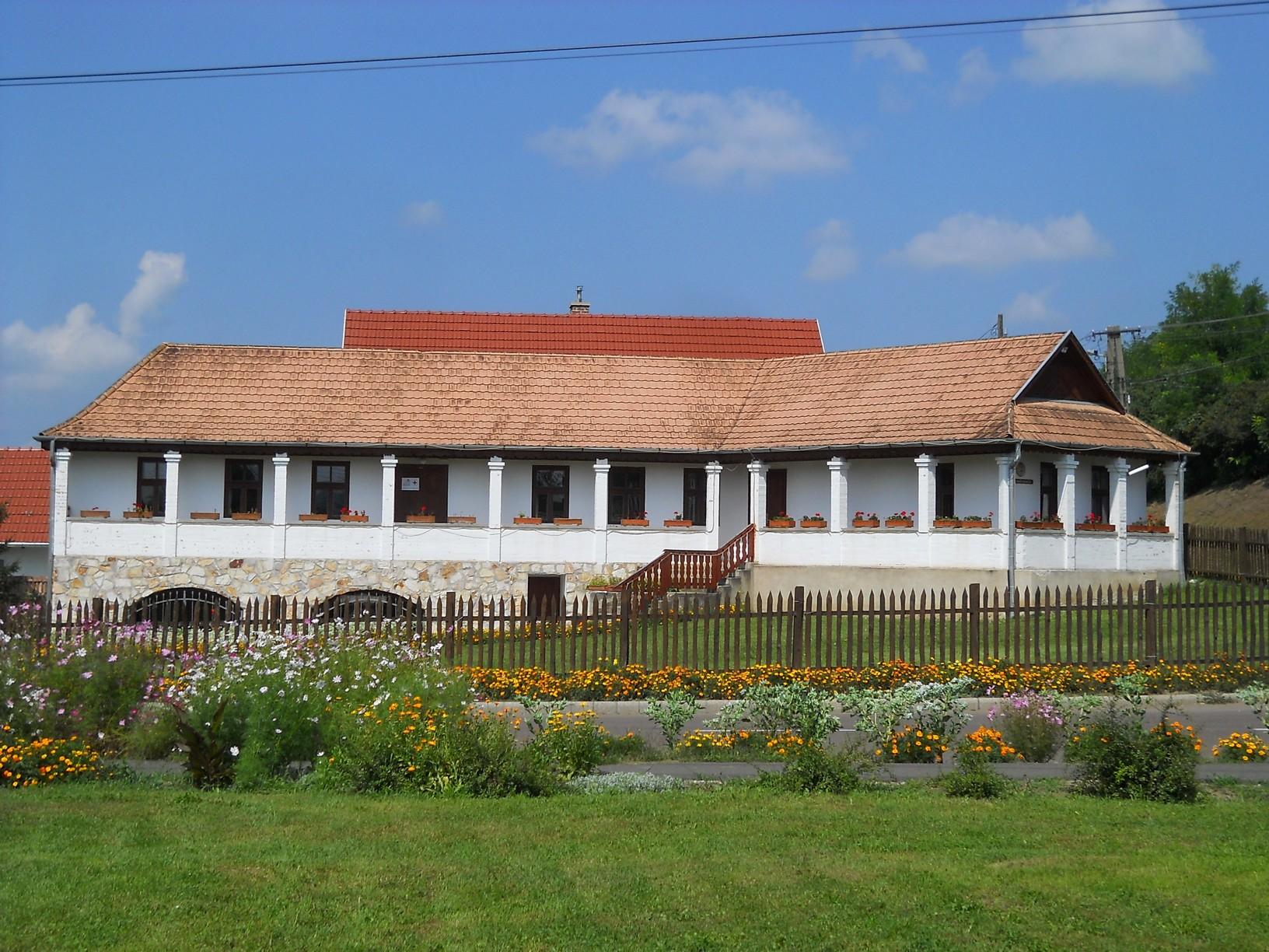 Kézművesház az Ófalu központjában