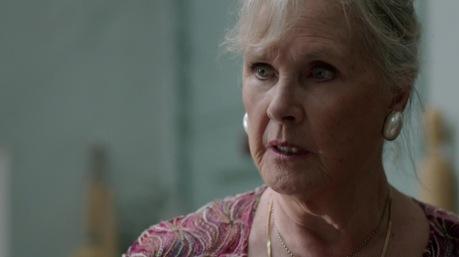 Sherlock édesanyját Wanda Ventham, Benedict édesanyja alakítja.
