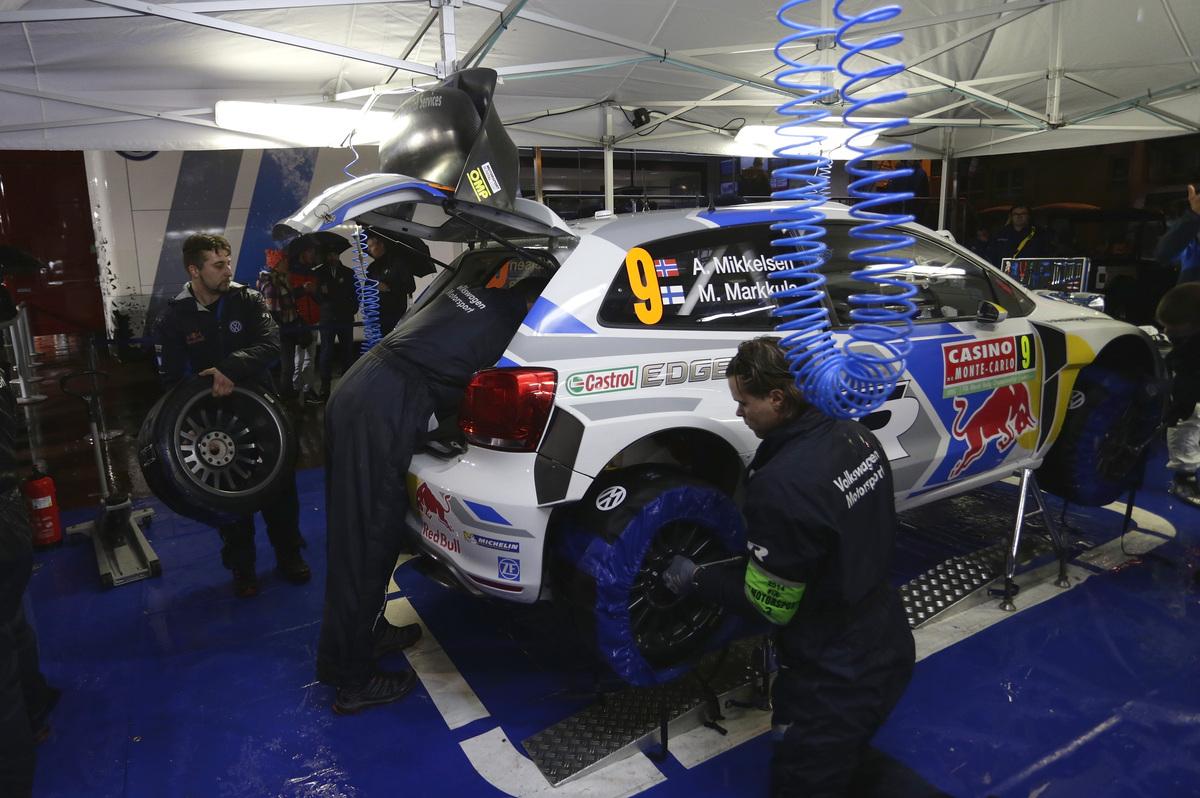 vw-20140118-9708-low-VW-2014-WRC-01-BK1-2876.jpg