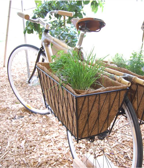 old-bike-garden-decor.jpg