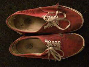 mac_de_marco_sneaker_1_1.jpg