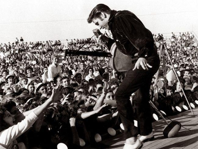 59 Elvis Presley.jpg