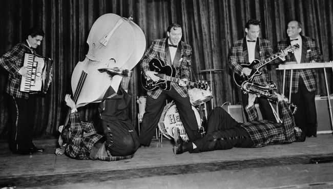 Bill-Haley-and-the-Comets-perform-concert-live1.jpg
