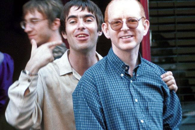 Liam-Gallagher-with-Alan-McGee.jpg