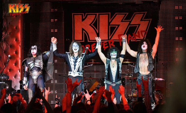 kiss4everband.jpg