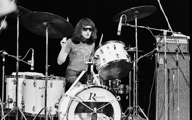 tommy-ramone-died-playing-drums-ftr.jpg