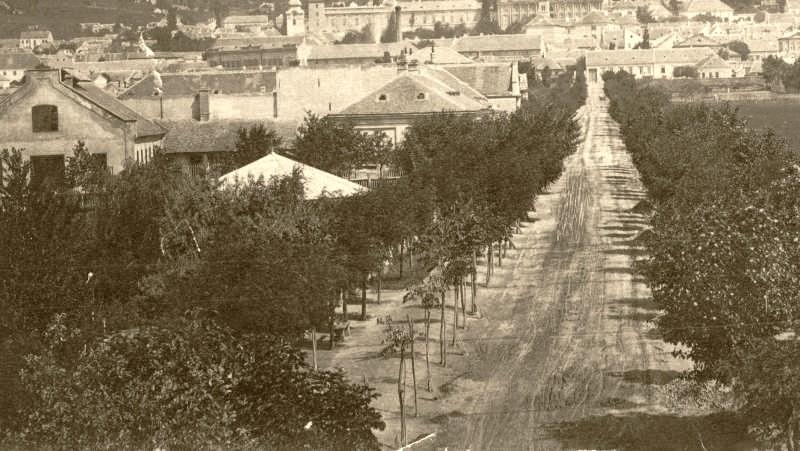 1880 k. Indóház utca.jpg