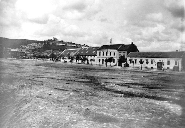FEHÉR FARKAS VENDÉGFOGADÓ  ÉS AZ 1918-AS HATOS LÁZADÁS