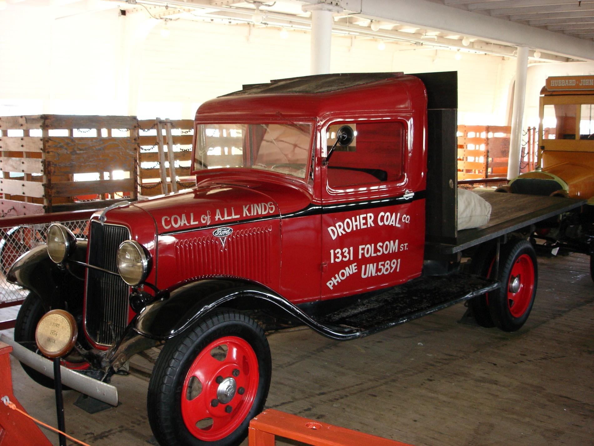 9_1934_dodge_truck.JPG