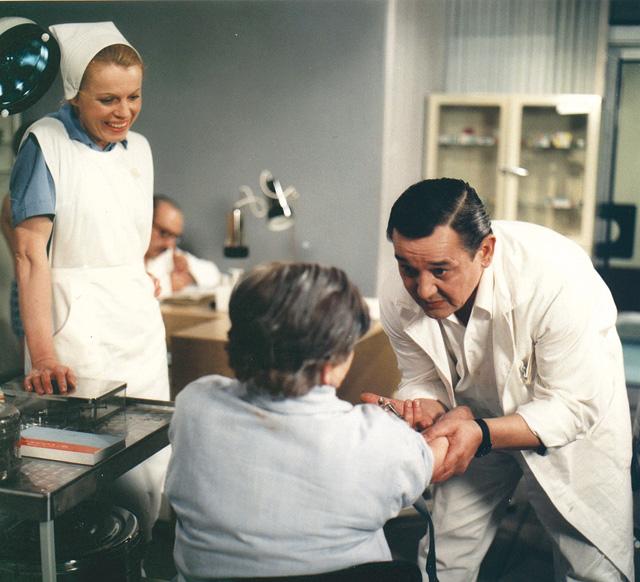 15o-nemocnice-na-kraji-mesta-13-color[1].jpg