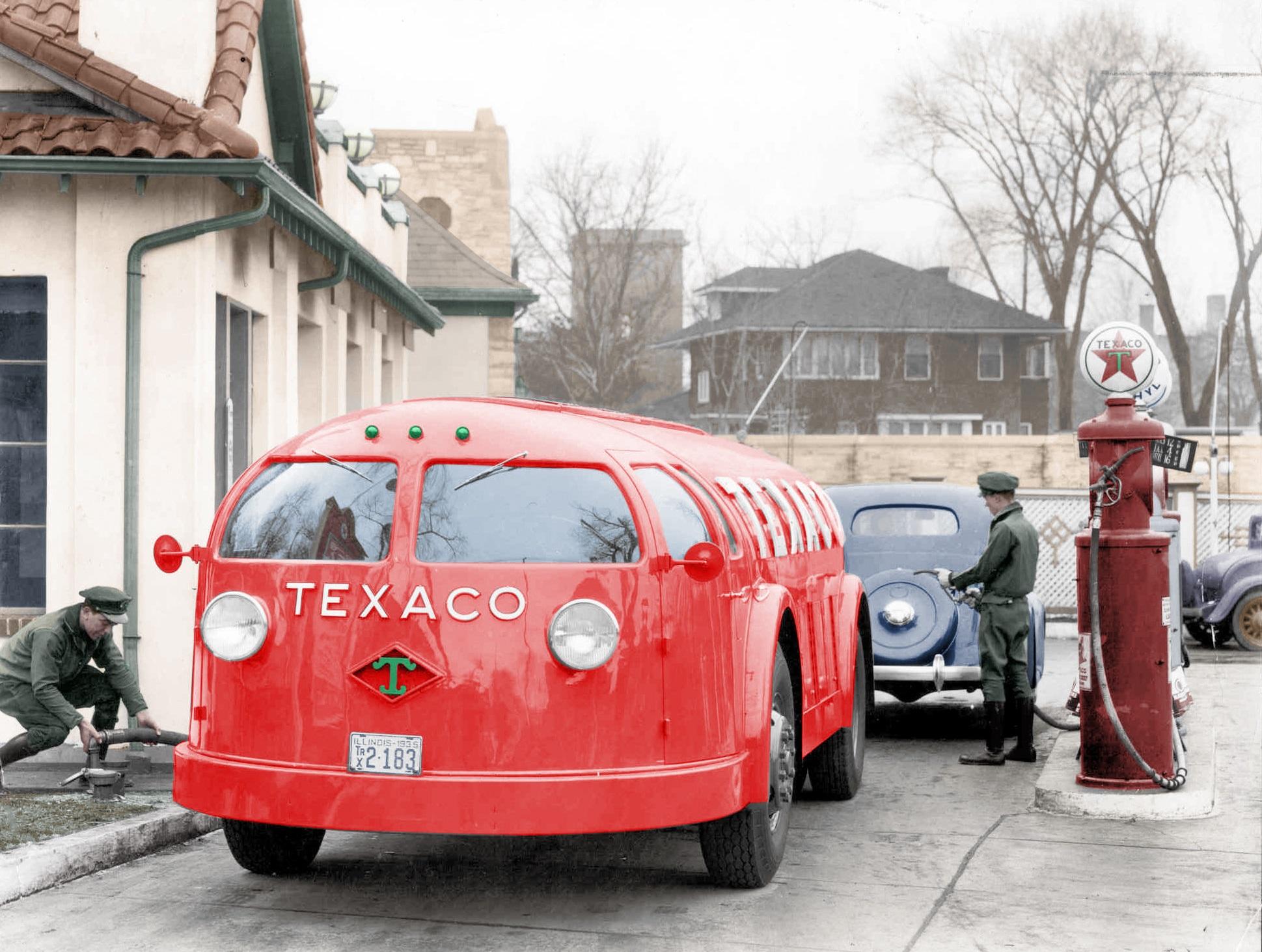 1934. One of 6 ever built Texaco Diamond T Doodlebug tanker truck..jpg