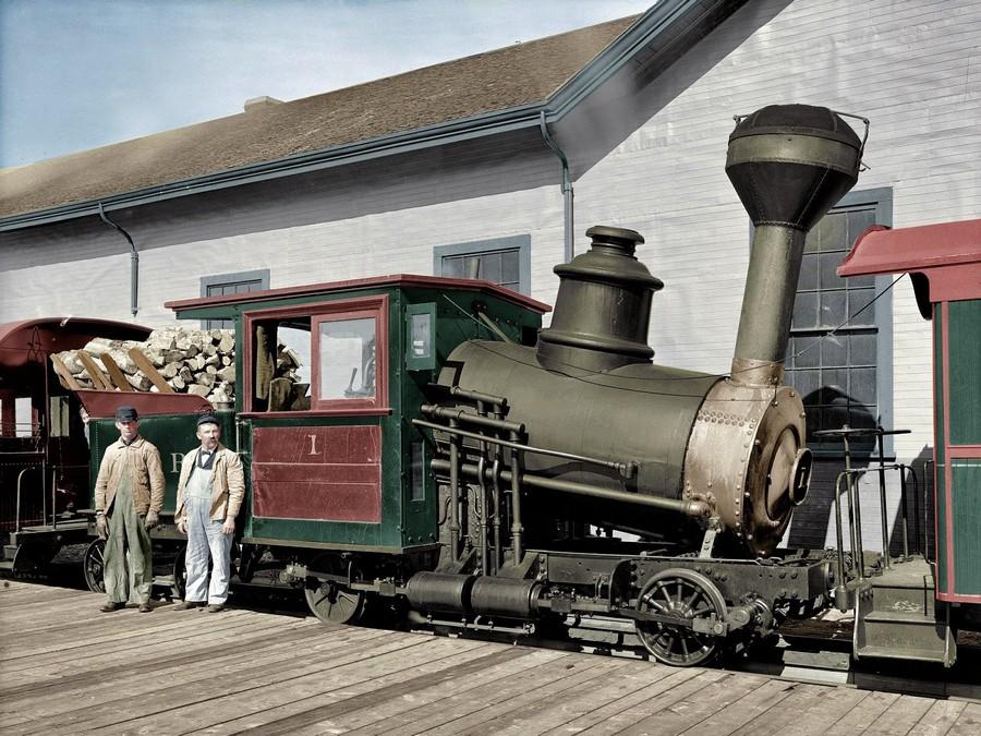 Circa 1906. Engine, Mount Washington Railway, White Mountains, New Hampshire.jpg