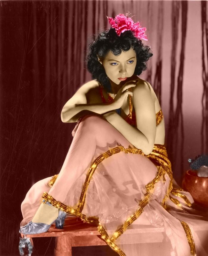 1931. Steffi Duna, kevéssé ismert egzotikus, és kivételes szépségű, jó mozgású magyar filmszínésznője volt a harmincas évek angol-amerikai film világának. 1935-ben Oscar-díjat kapott. Eredeti nevén, Berindey Erzsi..jpg