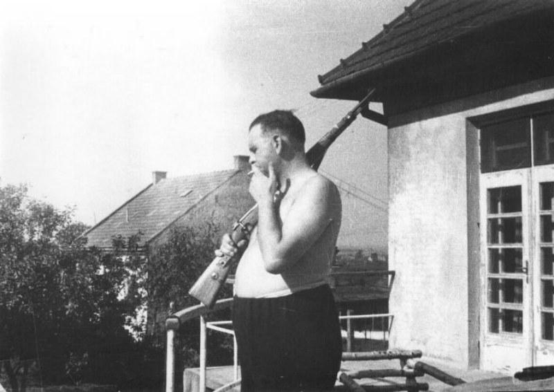1944_amon_goeth schindlers list 1944.jpg