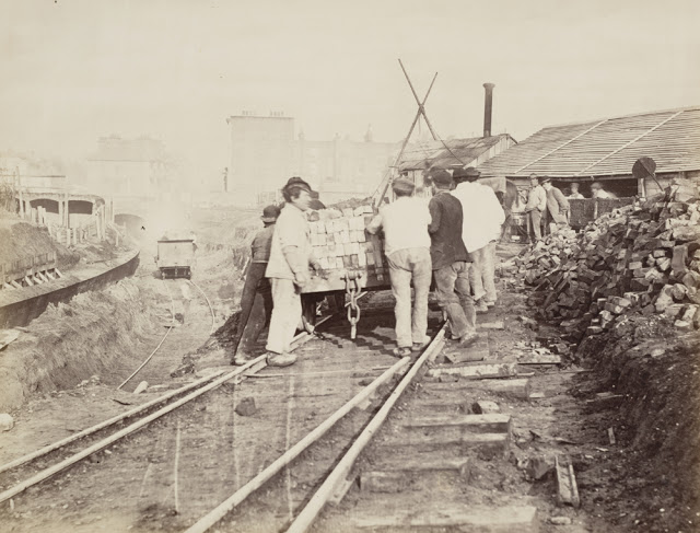 Construction of the Metropolitan Railway, circa 1861 (1).jpg