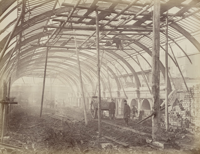 Construction of the Metropolitan Railway, circa 1861 (10).jpg