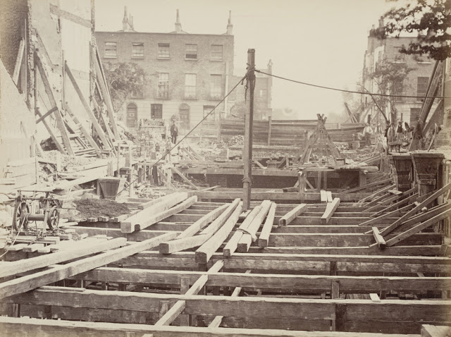 Construction of the Metropolitan Railway, circa 1861 (15).jpg
