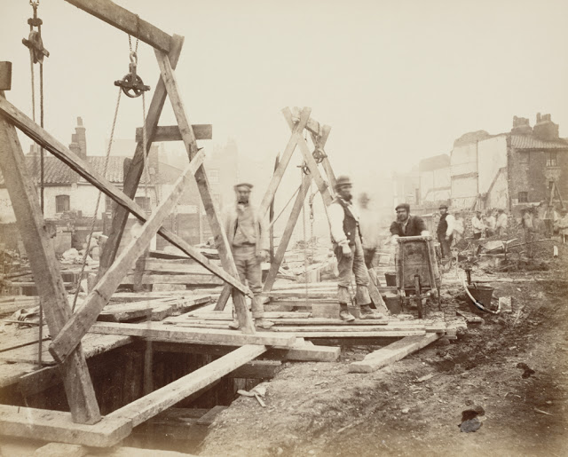 Construction of the Metropolitan Railway, circa 1861 (16).jpg