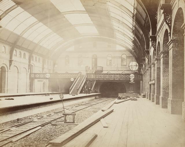Construction of the Metropolitan Railway, circa 1861 (18).jpg