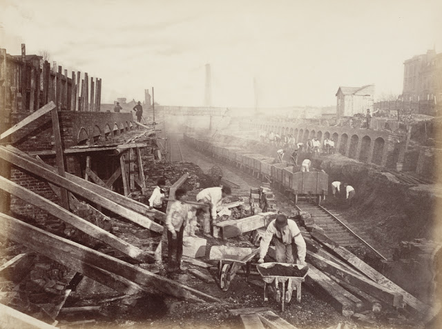 Construction of the Metropolitan Railway, circa 1861 (2).jpg