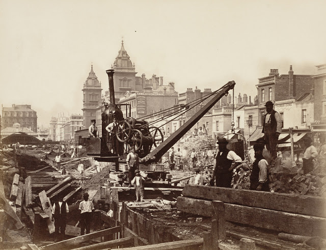 Construction of the Metropolitan Railway, circa 1861 (3).jpg