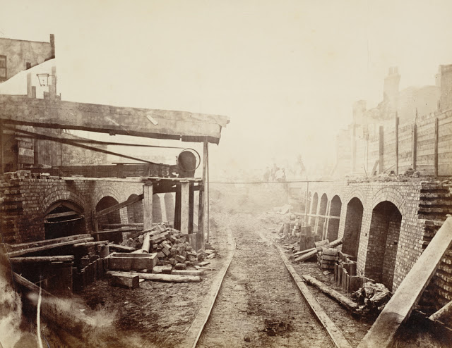 Construction of the Metropolitan Railway, circa 1861 (4).jpg