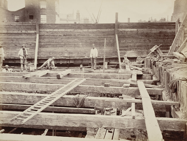 Construction of the Metropolitan Railway, circa 1861 (5).jpg