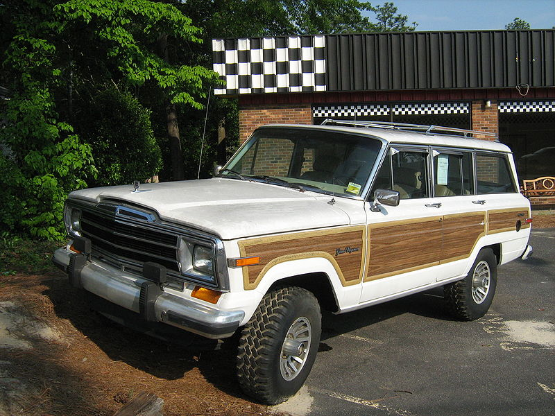 1977_Jeep_Grand_Wagoneer_white_NC_f.jpg