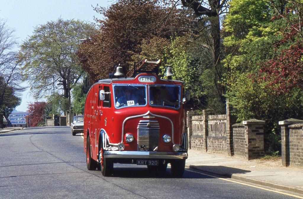 ipswich_to_felixstowe_historic_vehicle_run_in_the_1970s_26_.jpg