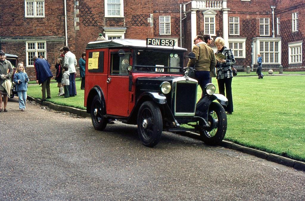ipswich_to_felixstowe_historic_vehicle_run_in_the_1970s_4_.jpg