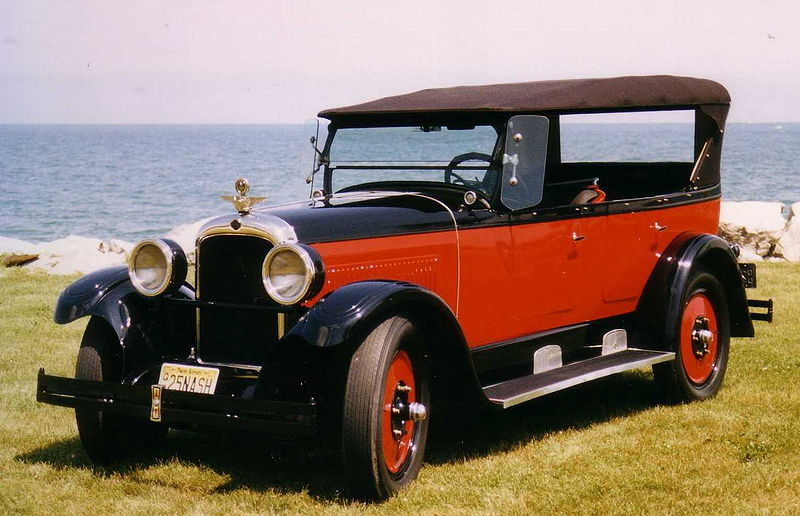 1925_Nash_automobile.JPG