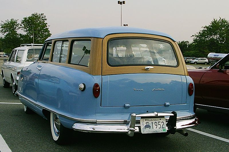 1952_Nash_Rambler_blue_wagon_rear.jpg