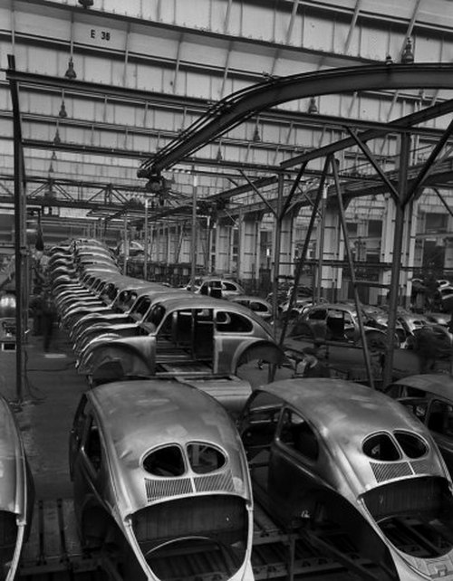 Scene+at+Volkswagens+Main+Plant+Wolfsburg+Germany+July+1951+4.jpg