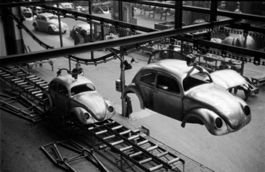 Scene+at+Volkswagens+Main+Plant+Wolfsburg+Germany+July+1951+5.jpg