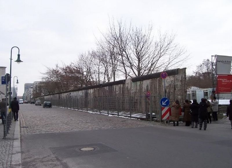 Berlin%20Wall%20today[1].jpg