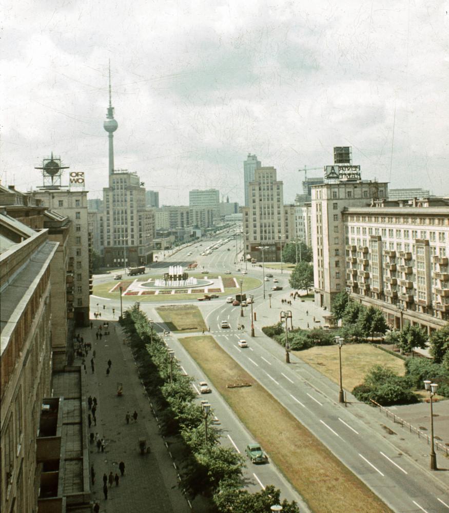 1968. Berlin, Karl-Marx Alle.jpg