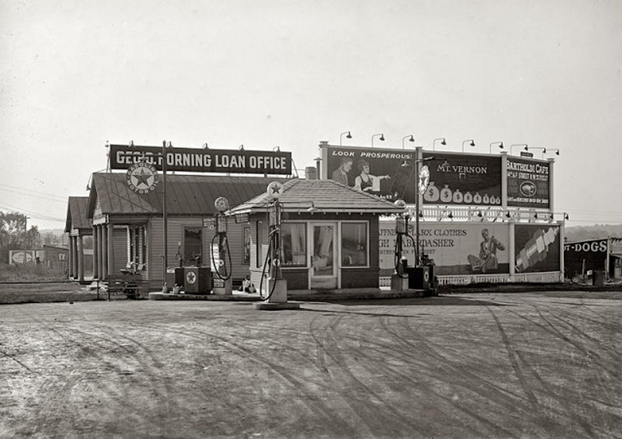 US Gas Stations in the 1920's (4).jpg