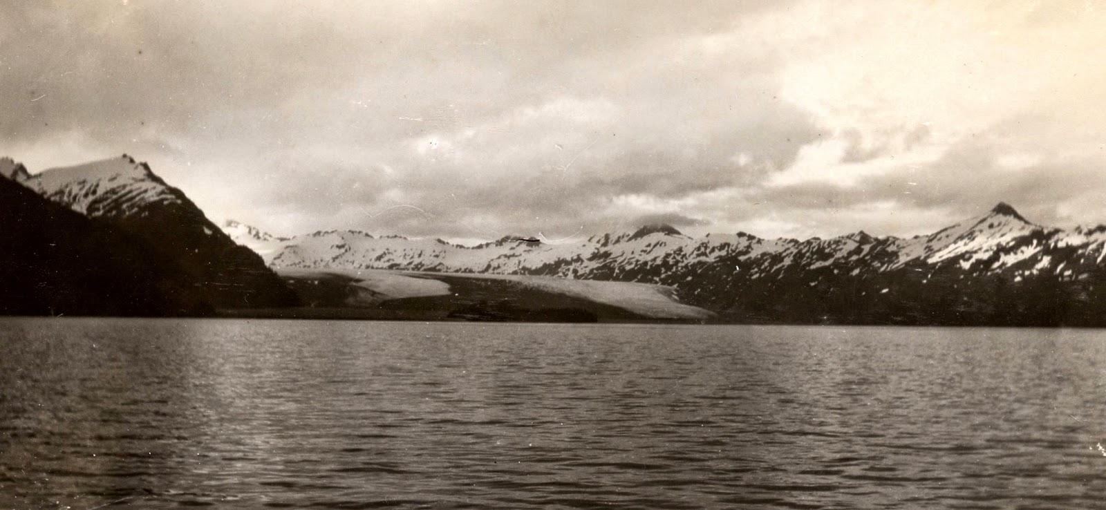 14_yalik_glacier_1909.jpg
