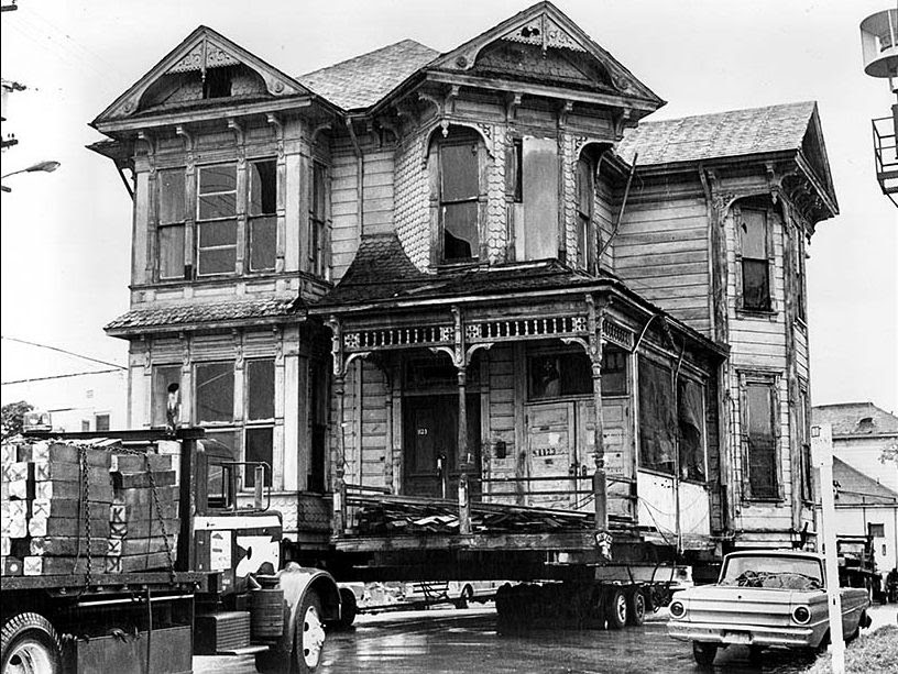 houses_moving_in_los_angeles_in_the_past_10_.jpg