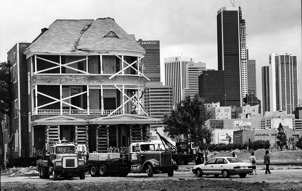houses_moving_in_los_angeles_in_the_past_11_.jpg